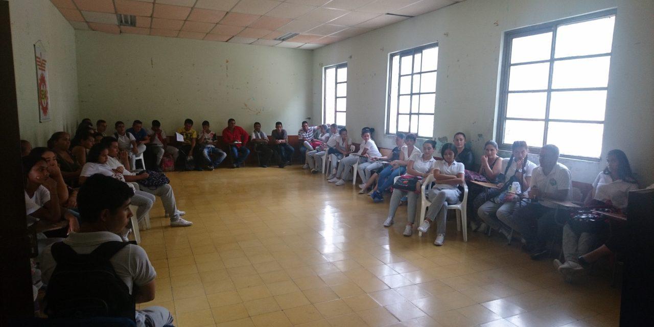 La U.N. prepara a estudiantes rurales para pruebas Saber 11