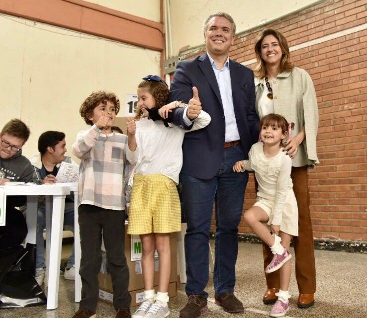 """""""Me siento muy honrado de llegar a estas elecciones como representante de una nueva generación de colombianos"""": Duque"""