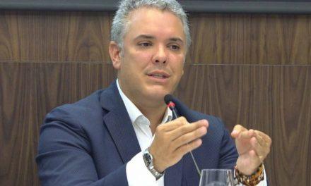 """""""Espero que esta decisión no sea para darle protección adicional a un criminal"""", Duque sobre suspensión de extradición de 'Santrich'"""