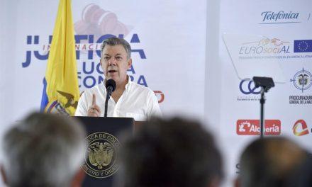 Presidente hace llamado al Congreso para que agilice trámite de proyecto que fija normas de procedimiento de la JEP
