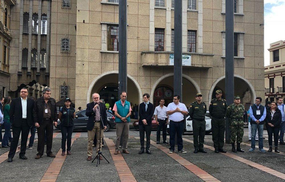 GOBERNADOR DE CALDAS Y AUTORIDADES DEPARTAMENTALES Y NACIONALES REPORTAN NORMALIDAD DURANTE JORNADA ELECTORAL. EN LA APERTURA, EL MANDATARIO REITERÓ SU LLAMADO A QUE LOS CALDENSES ACUDAN A LAS URNAS