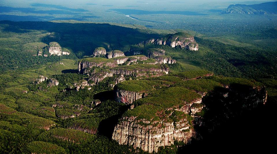Presidente oficializa este lunes ampliación del área protegida de la Serranía de Chiribiquete.