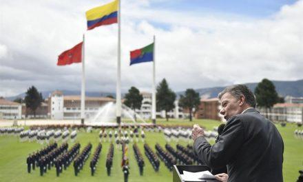 Hoy el Ejército de Colombia es admirado por su eficiencia y respeto al DIH, dijo el Presidente en último acto en la Escuela Militar