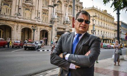 Rafael Correa, expresidente de Ecuador, es buscado por la Interpol