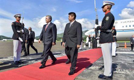 Presidente Iván Duque llegó a Ciudad de Panamá en visita oficial