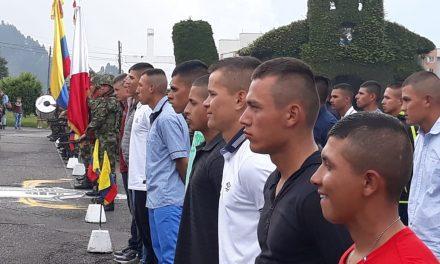Soldados reservistas retornan a la vida civil