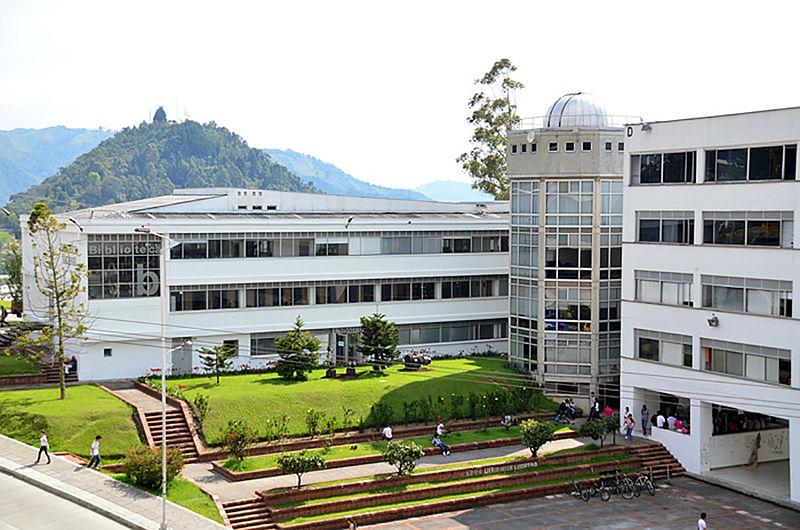 La U.N. se muestra en centros comerciales de Manizales