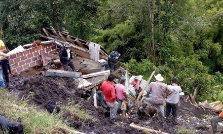 GOBERNACIÓN DE CALDAS LLEVARÁ AYUDAS HUMANITARIAS A FAMILIARES DE VÍCTIMAS Y A DAMNIFICADOS POR LAS LLUVIAS EN NEIRA. TRES PERSONAS PERDIERON LA VIDA POR UNA CRECIENTE SÚBITA DE LA QUEBRADA GUACAICA