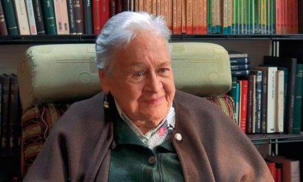 El Banco de la República rinde homenaje a la poeta manizalita Maruja Vieira