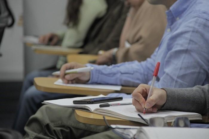 Gobierno nacional entregará 250 becas de estudios a servidores públicos de municipios más afectados por el conflicto
