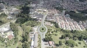 : Avanza la modernización vial en Rionegro
