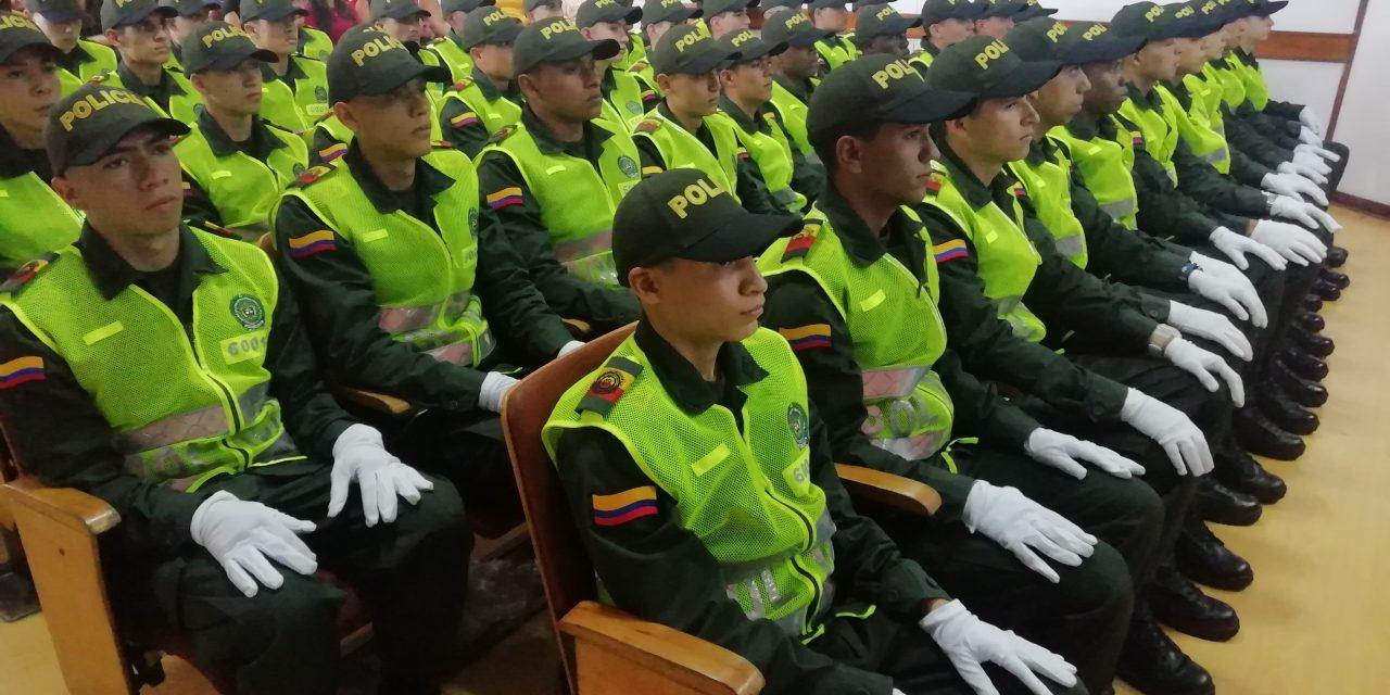 45 AUXILIARES DE POLICÍA, JURARON ANTE DIOS Y LA PATRIA, SERVIR A NUESTRA COMUNIDAD
