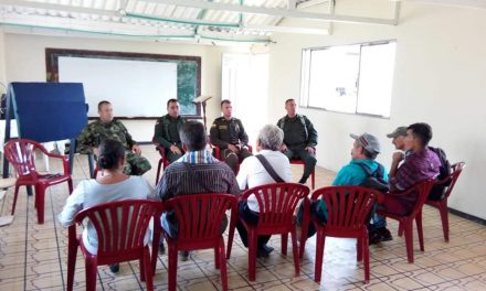 Ejército continua acompañando a las comunidades en Caldas