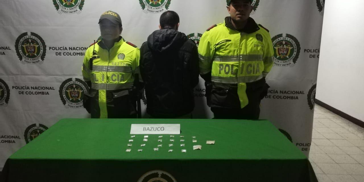 EXPENDEDOR DE ESTUPEFACIENTES OCULTABA DOSIS EN CINTURON