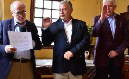 Ayer se posesionaron Gabriel Hernán Ocampo e Iván Giraldo ante el gobernador de Caldas, Guido Echeverri.