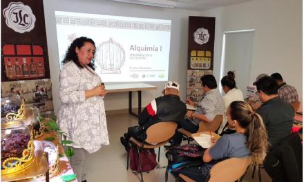 """Industria Licorera de Caldas y Universidad Autónoma realizan seminario """"Expertos del Servicio"""""""