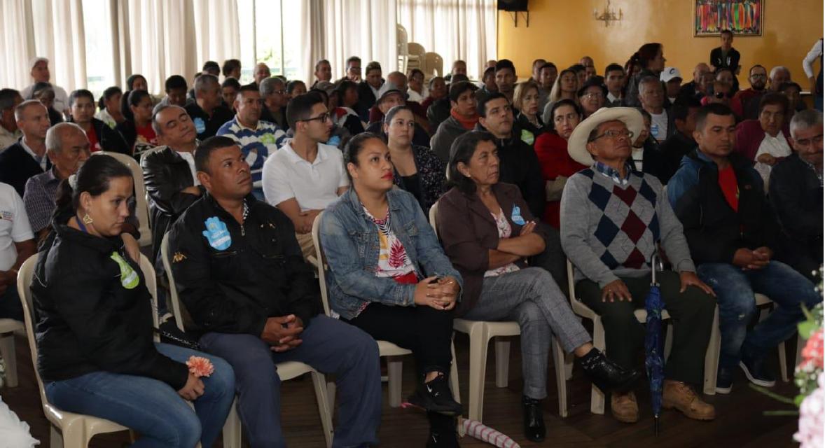 Camilo Gaviria firma en Riosucio el pacto por la Multiculturalidad