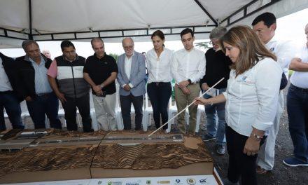 67.000 MILLONES DE PESOS DE VIGENCIAS FUTURAS DEJA ESTE GOBIERNO PARA AEROCAFÉ. MINISTRA DE TRASPORTE VISITÓ LAS OBRAS Y RECONOCIÓ EL IMPORTANTE TRABAJO DEL GOBERNADOR, GUIDO ECHEVERRY, PARA LA CONSOLIDACIÓN DEL PROYECTO67.000 MILLONES DE PESOS DE VIGENCIAS FUTURAS DEJA ESTE GOBIERNO PARA AEROCAFÉ. MINISTRA DE TRASPORTE VISITÓ LAS OBRAS Y RECONOCIÓ EL IMPORTANTE TRABAJO DEL GOBERNADOR, GUIDO ECHEVERRY, PARA LA CONSOLIDACIÓN DEL PROYECTO