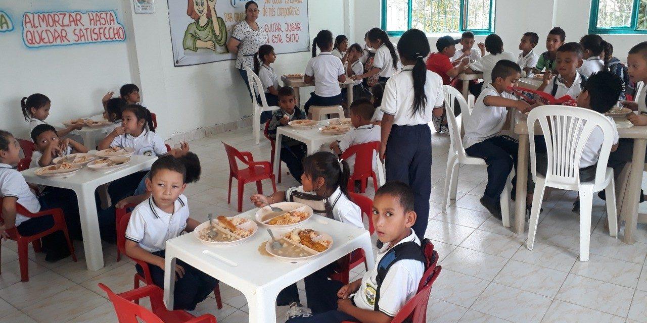 GOBERNACIÓN PRESENTÓ PROYECTO DE ORDENANZA PARA ENTREGAR ALIMENTACIÓN ESCOLAR A LOS ESTUDIANTES DE CALDAS DESDE EL PRIMER DÍA DE CLASE DEL 2020. LOS RECURSOS ALCANZAN LOS 18.200 MILLONES DE PESOS