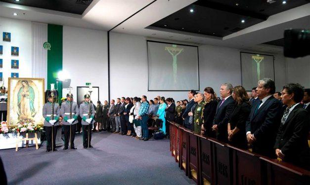 'El atentado que vivimos hace un año fue un atentado contra toda una nación', afirmó el Presidente Duque en acto de homenaje a 22 cadetes de Policía