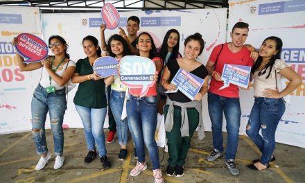 Generación E, el programa educativo que está cambiando las vidas de 80 mil jóvenes colombianos