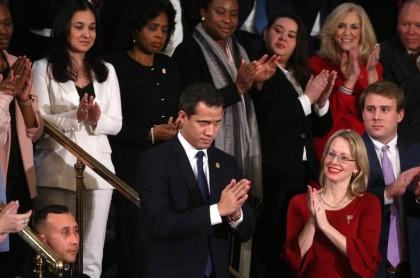 Trump invitó a Guaidó al discurso del Estado de la Unión y le prometió «aplastar» a Maduro