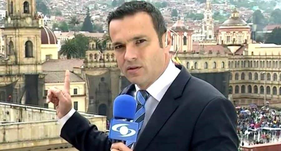 Juan Diego Alvira confesó que tuvo una novia de 24 años, cuando él tenía 16