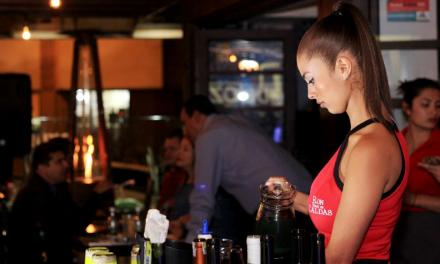 Industria Licorera de Caldas y sus distribuidores entregan más de 7.000 mercados a meseros y bartenders