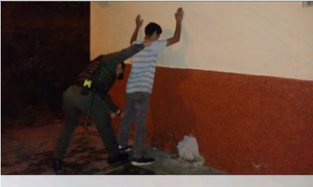 """""""SOMOS UNO SOMOS TODOS""""  1.039 CAPTURAS REGISTRA  LA POLICIA METROPOLITANA DE MANIZALES EN LO CORRIDO DEL AÑO   EN LAS ULTIMAS HORAS SE LOGRA LA CAPTURA DE 3 CIUDADANOS POR  VIOLACIÓN DE MEDIDAS SANITARIAS Y VIOLENCIA CONTRA SERVIDOR PÚBLICO."""
