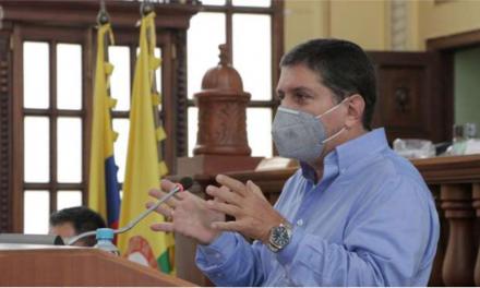 Presentación de informe del gerente de la ILC Luis Roberto Rivas, ante la Asamblea de Caldas.