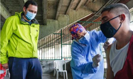 En una jornada de dos días, Manizales vacunó el 30% de sus habitantes en condición de calle